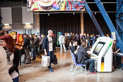 Arcade gaming at Retrospelsmässan 2015