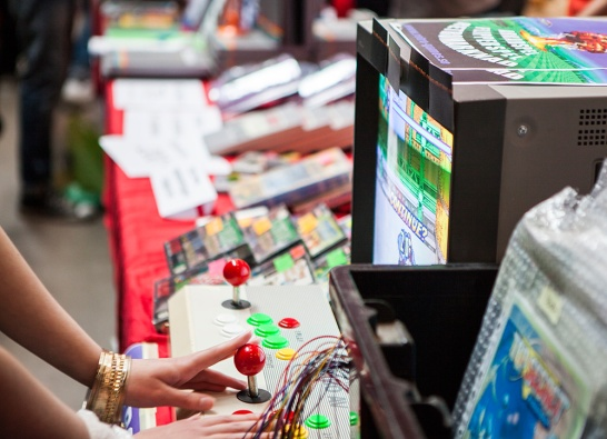 Arcade gaming at Retrospelsmässan 2015