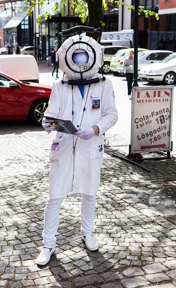 Wheatley Portal Cosplay