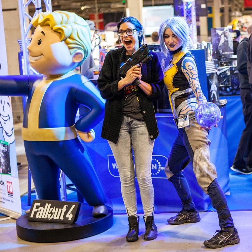 Borderlands 2 Maya cosplay & Geeky Gals Heidi stopXwhispering