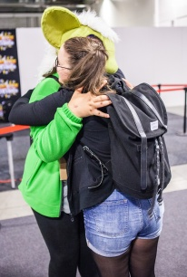 Geeky Gals Jinn enjoying Free Hugs at Comic Con Malmö 2015