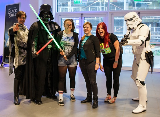Geeky Gals with Star Wars cosplayers at Comic Con Malmö 2015