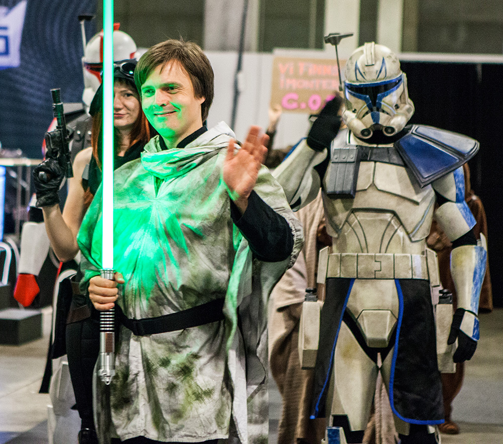 Jedi and Star Wars cosplayers on parade