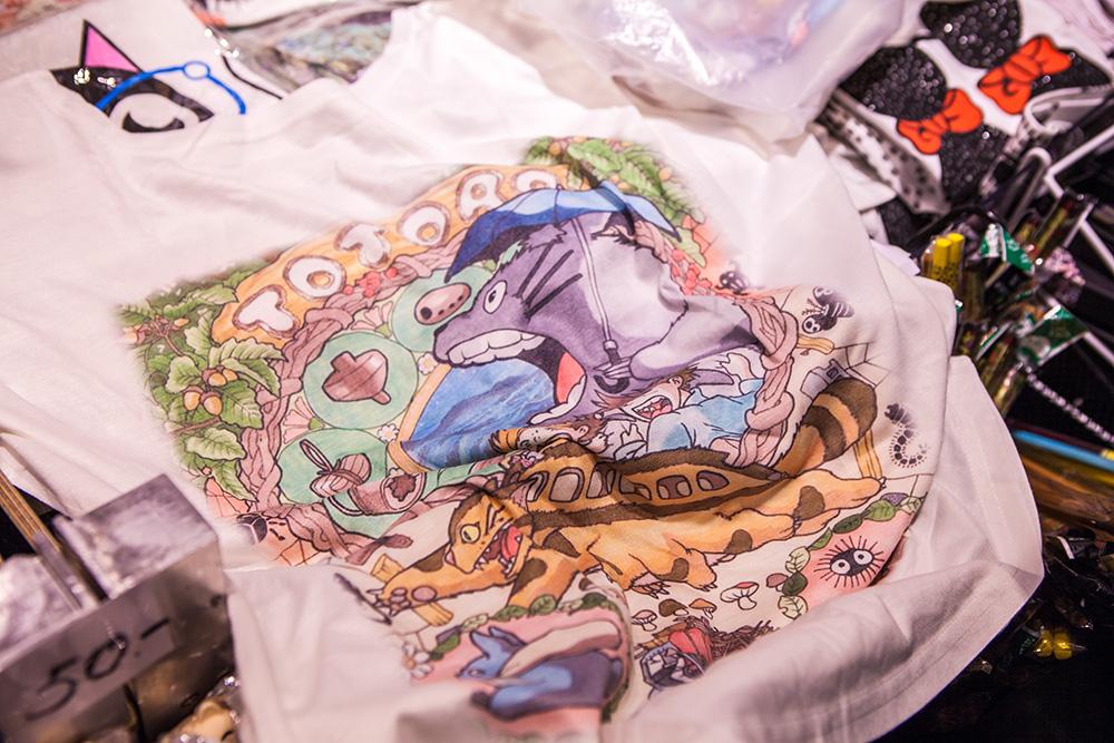 Geeky Gal Beckis Totoro T-shirt ^_^
