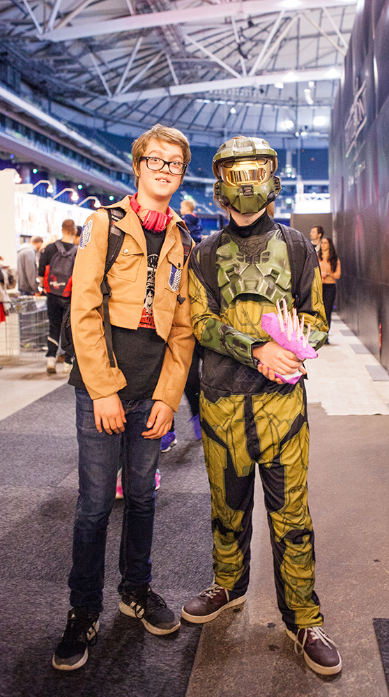 Attack on Titan and Master Chief - ComicCon Gamex 2015