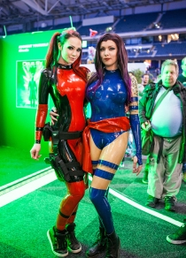 Deadpool & Psylocke from X-Men cosplay - ComicCon Gamex 2015