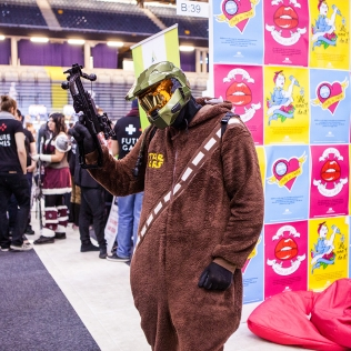 Master chiefbacca cosplay - ComicCon Gamex 2015