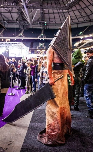 Pyramid Head cosplay - ComicCon Gamex 2015
