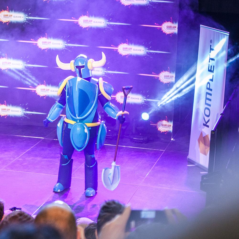 Shovel Knight cosplay - ComicCon Gamex 2015