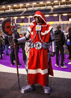 Warhammer cosplayer - ComicCon Gamex 2015