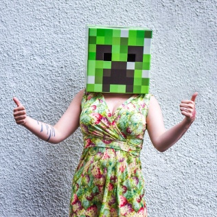 Minecraft Creeper thumbs up