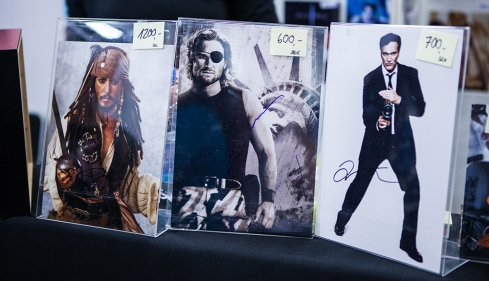 Celebrity autographs at Sci-Fi World