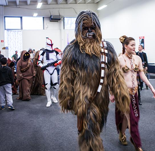 Chewbacca cosplay at Sci-Fi World