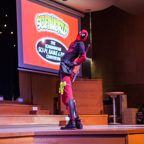 Cosplay competition - Deadpool cosplay