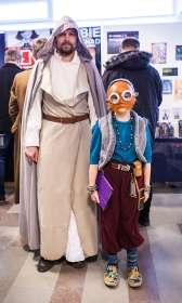 Luke and Maz Kanata cosplay at Sci-Fi World