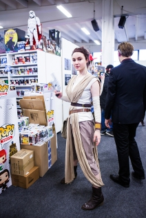 Rey cosplayer at Sci-Fi World