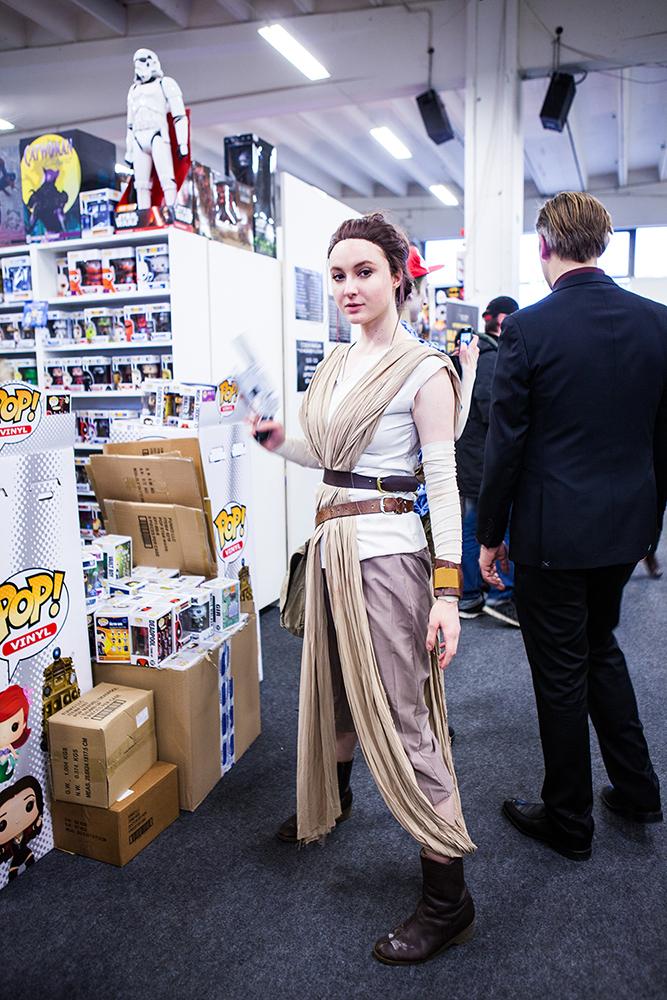 Rey cosplayer at Sci-Fi World
