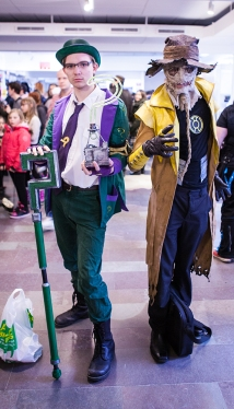 The riddler and scarecrow cosplay at Sci-Fi World