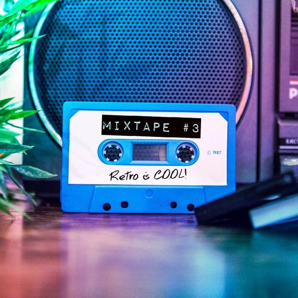 Geeky Gals Mixtape #3 - Retro is Cool