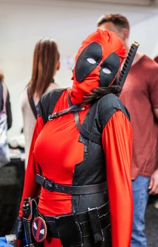 Female deadpool - Sci-Fi World