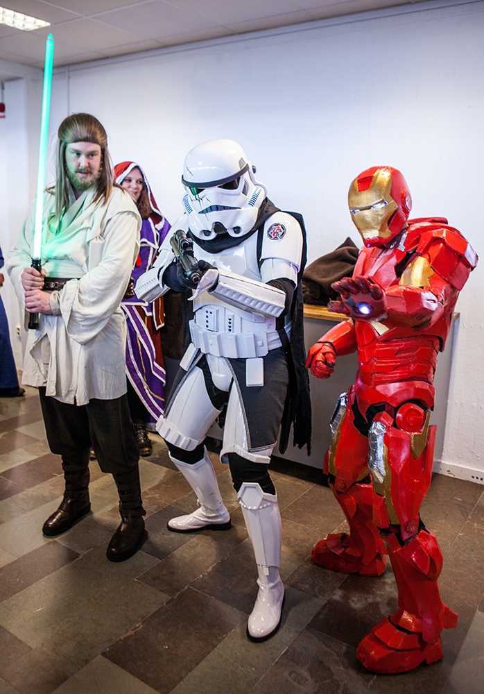 Qui-gon jinn, storm trooper & iron man - Sci-Fi World
