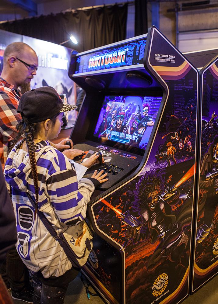 Huntdown arcade machines